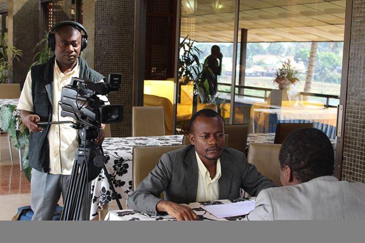 W.B. pleine interview avec un député.